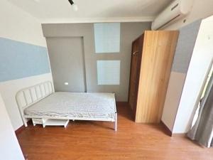 美园 3室0厅 12㎡ 合租_美园租房卧室图片3