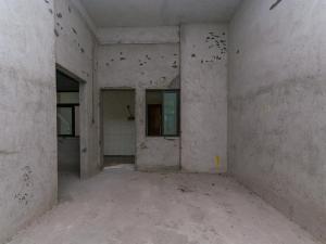西山上筑二期三期 8室2厅 193.32㎡ 毛坯