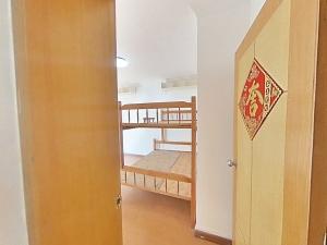 长福花园 4室2厅 150㎡ 整租_长福花园租房卧室图片4